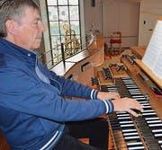Cornel Weibel, Oberbüren, hat das Konzert vom Sonntagabend initiiert und konnte Harfenistin Joanna Thalmann aus Niederwil dafür gewinnen. (Bild: Zita Meienhofer/pd)