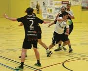 Ramon Schwinn (am Ball) führt die Torschützenliste der 2. Liga, Gruppe 1, an. (Bild: Yves Solenthaler)