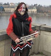 Die 27-jährige Marina Baumann reiste mit ihren Kolleginnen und Kollegen vom «Sprengkommando Bütschwil» am letzten Wochenende nach Prag, um beim Euro-Carneval teilzunehmen. (Bilder: PD)