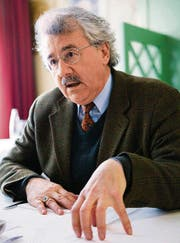 Klare Haltung, klare Gesten: Rainer J. Schweizer. (Bilder: Urs Jaudas)