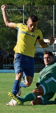 Volkan Akyildiz, hier im Dress des FC Au-Berneck, treibt jetzt die Verteidiger in der Regionalliga West zur Verzweiflung. (Bild: Archiv/ys)