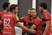 Sie jubeln so oft wie nie in dieser Saison: Michael Hess (Nummer 13) und seine Kollegen. (Bild: Lukas Pfiffner)