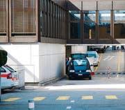 Der Tatort: Hauseingang des ehemaligen Swisscom-Gebäudes. (Bild: Willi Meissner)