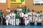 In Flawil gab es jede Menge Medaillen und Podestplätze für die Altstätter Karatekas. (Bild: pd)