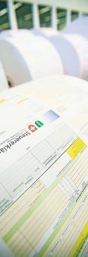 Steuerformulare im Verwaltungsrechenzentrum St. Gallen. (Bild: Reto Martin)