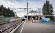 Ein Nadelöhr: Der Bahnhof Bruggen ist nicht nur Teil der städtischen S-Bahn, sondern auch des Fernverkehrs. (Bild: Urs Bucher)