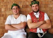 Rico Baumann aus Flawil (links) und der Ennetbühler Beat Wickli freuen sich über Eichenlaub. (Bild: PD)
