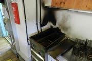 Beim Brand einer Fritteuse entstand nur geringer Sachschaden. (Bild: Stapo SG)