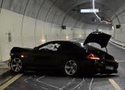 Das Unfallauto erlitt Totalschaden. (Bild: Kapo SG)