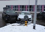 Beide Fahrzeuge erlitten Totalschaden. (Bild: Kapo SG)