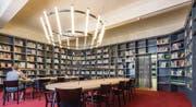 Gutes Bauen Ostschweiz 2015, Bibliothek in der ehemaligen Hauptpost am Bahnhofplatz. Turmzimmer. (Bild: Hanspeter Schiess)