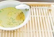 Wer nicht voll fasten möchte, nimmt eine Suppe zu sich. (Bild: Fotolia)
