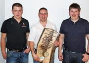 David Roth (Präsident), Werner Gähler (Ehrenmitglied) und Simon Albisser (Vize-Präsident). (Bild: PD)