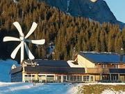 Auf der Alp Gamplüt oberhalb von Wildhaus steht seit Längerem eine Kleinwindenergieanlage. (Bild: PD)