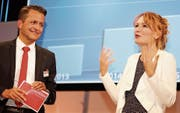 Bankleiter Aldo Kopp mit Regula Elsener, die auch in diesem Jahr die Generalversammlung moderierte. (Bilder: Christof Lampart)