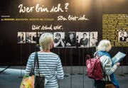 99 St.Gallerinnen und St.Galler an der Offa: Die Schwarz-Weiss-Bilder stammen von Fotografin Franziska Messner-Rast. (Bild: Urs Bucher)
