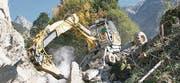 Beim Aufräumen infolge Naturkatastrophen fehlt der Menzi Muck nie. (Bild: pd)