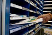 Die Post schliesst in St.Gallen vier Poststellen. (Bild: Ralph Ribi)