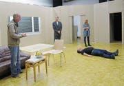Seit August proben die Schauspieler das Stück im Ebnetsaal. (Bild: PD)