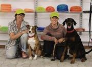 Für Mensch und Tier: Marlis und Eva Zwicker (r.) im neuen Petshop. (Bild: Manuel Rudolf)