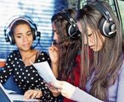 Die jungen Radiomacherinnen und Radiomacher erwarten spannende Tage, die mit einer Livesendung abgeschlossen werden. (Bild: pd)