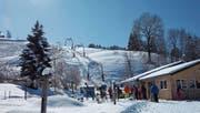 Die Talstation des Skilifts Heiden wird erst bei genügend Schnee in Betrieb genommen. Gestern wurde die Mittelstation eröffnet. (Bild: PD)