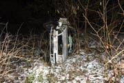 Das Auto des 24-Jährigen erlitt einen Totalschaden. (Bild: Kapo SG)