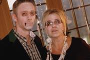 An den Gruseldinners verkleiden sich auch die Pächter Daniel und Brigitte Schneider. (Bild: PD)