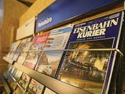 Auch Eisenbahnliteratur ist in der neuen Abteilung ausgestellt.
