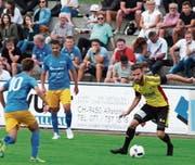 Dem eingewechselten Ramon Gächter (rechts) gelang in der 83. Minute die Entscheidung für den FC Altstätten gegen Aufsteiger Diepoldsau. (Bild: Günther Böhler)