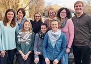 Das neue Ferienspass-Team (von links): Valérie Seitz, Barbara Egger (beide Kursbearbeitung), Alexandra Sonderer (Mitarbeiterin), Claudia Isenschmid (Finanzen und Sponsoring), Ursi Bücheler (Presse), Lara Robe (offene Jugendarbeit Au), Carmen Köppel (Fotografin), Christine Wider (Fespa Leitung) und Roman Rüssmann (Jugendnetzwerk SDM). Es fehlt: Lucia Weinbuch (Verbindungsperson Heilpädagogische Schule). (Bild: pd)