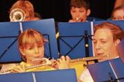 Beim Jahreskonzert der JMU standen Klein und Gross gemeinsam auf der Bühne. (Bild: Kathrin Meier-Gross)