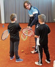 Trainer Volker Scherzinger instruiert seine Schützlinge Luca und Jan. (Bilder: Andrea Häusler)