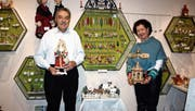Jeanette und Bruno Nussbaumer laden zu einer exklusiven Weihnachtsausstellung nach Rüthi ein. (Bild: rz)