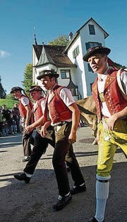 Lebendiges Brauchtum an der Viehschau im Haggen. (Bild: Ralph Ribi (28. September 2012))