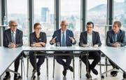 Die St. Galler Stadtregierung in der aktuellen Zusammensetzung (von links): Nino Cozzio (CVP), Maria Pappa (SP), Stadtpräsident Thomas Scheitlin (FDP), Markus Buschor (parteilos) und Peter Jans (SP). (Bild: Ralph Ribi (1. Dezember 2016))