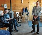 Kurt Schär aus Ebersol, der als Skulpteur tätig ist, hat am Samstag den Wanderpreis von Kultur Toggenburg erhalten. (Bild: Michael Hug)