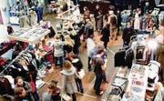 Letzter «Cash for Trash»-Markt zog über 800 Besucher an. (Bild: pd/Ladina Bischof)