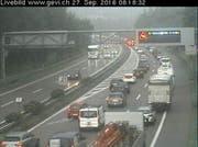 Der Verkehr staut sich auf dem Weg von Rorschach in Richtung St.Gallen. (Bild: gevi.ch/Screenshot)