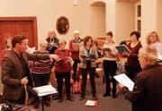 Das Collegium Vocale bei der Probenarbeit für das kommende Konzert. Devise: «Einander hören». (Bild: Peter Küpfer)