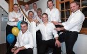 Die Hügler-Buebe unter der musikalischen Leitung von Matthias Ammann (ganz links) treten in der «Sonne» in Krummenau zum letzten Mal gemeinsam auf. (Bild: PD)