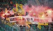 Die Fans der Berner Young Boys in der AFG Arena beim Spiel gegen den FC St. Gallen vom 4. Mai 2013. (Bild: Urs Bucher)