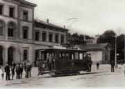 Tramwagen der Linie Bahnhof-Krontal auf dem St.Galler Bahnhofsplatz 1898. (Bild: Stadtarchiv der Ortsbürgergemeinde St.Gallen)