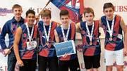Die U16-Buben des STV Marbach feiern den Schweizer Meistertitel (von links): Fähnrich Jonas Sieber, Kevin Egbon, Ramon Hegglin, Elia Auer, Ramon Hutter und Timon Cabezas. (Bild: pd)