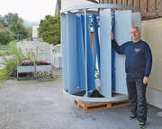 André Champiomont kann nun die Windturbine aufstellen, deren Bau Nachbarn und der Gemeinderat verhindern wollten. Bild: Kurt Latzer