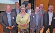 Die Referenten und Diskussionsteilnehmer des Abends (von links): Nick Huber, Ivo Riedi, Felice Baumgartner, Remo Kluser, Simon Schwerzmann, Peter Kobler und Gregor Loser. (Bild: Ulrike Huber)