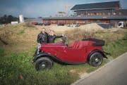 Im Gewerbegebiet beim Bahnhof Winden ist das Ehepaar Hürlimann fündig geworden. Hier wollen sie 2017 ihr neues Oldtimer-Museum eröffnen. Noch müssen sie aber bei der Gemeinde zuerst das Baugesuch einreichen. (Bild: Ralph Ribi)