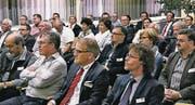 Mit Interesse verfolgten die Rheintaler Unternehmer das Referat von Daniel Bittner, Biologe, Tierfotograf und Buchautor aus Bern. (Bild: mp)