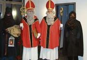 Der St. Nikolaus und der Schmutzli besuchen in diesem Jahr auch den Adventskranz in Mosnang. (Bild: PD)