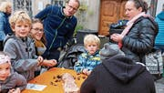 Geschätzte Leckerbissen: Nahrhafter Imbiss und Spass für die ganze Familie. (Bild: Max Pflüger)